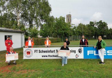 Scheckübergabe des FTS Team Running Spendenmarathons